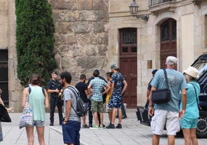 TotssomBarcelona barcelona attack mossos ayearinbarcelona