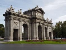 Madrid PuertadeAcala ayearinbarcelona