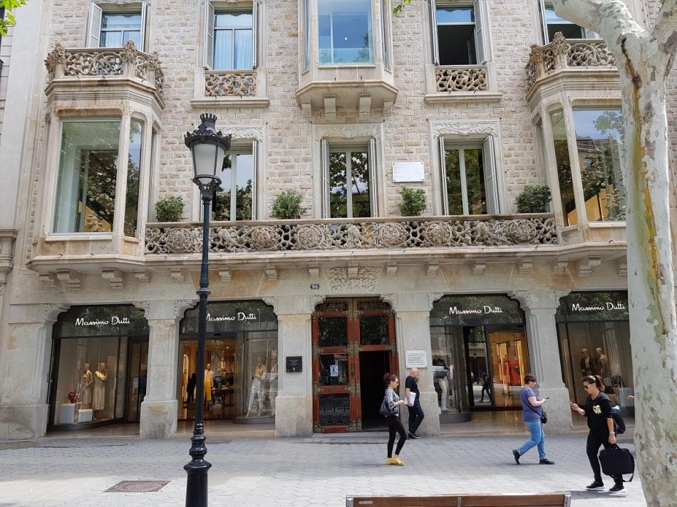MassimoDutti CasaRamonCasas PasseigdeGracia Modernism Shopping