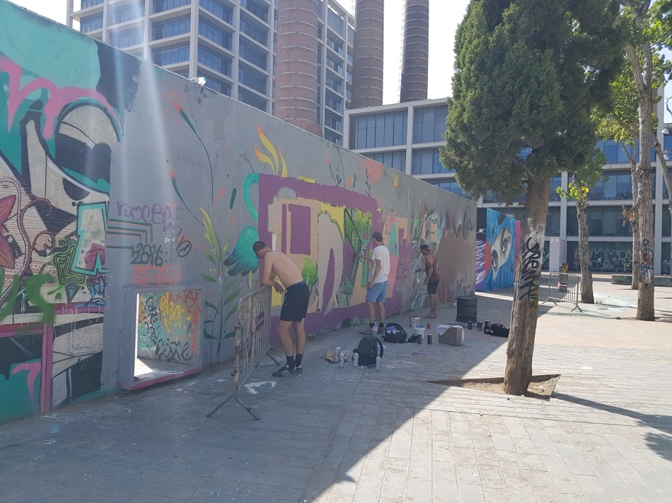 Streetart Barcelona raval ayearinbarcelona